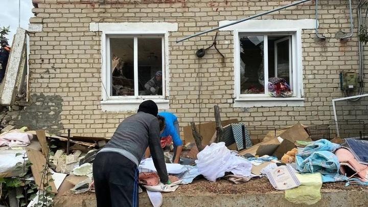 Поврежденный взрывом дом под Ельцом снесут