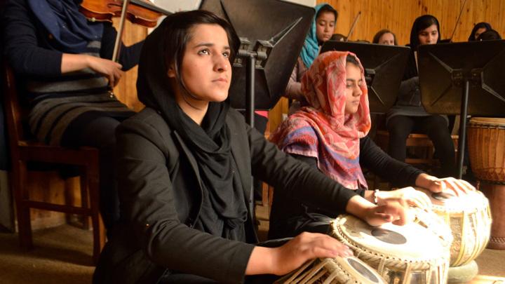 Женский оркестр не смог улететь из Кабула из-за спящего командира талибов