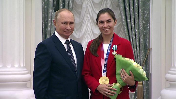 Русские идут: в Кремле вручили награды медалистам Олимпиады
