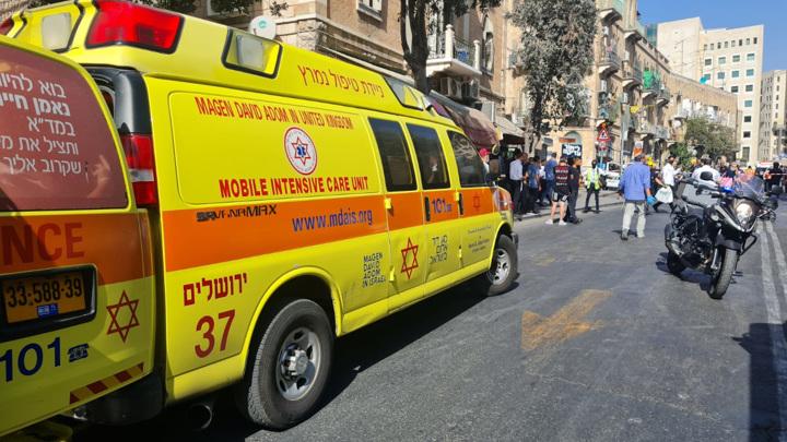 Два человека были ранены 17-летним радикалом в Тель-Авиве
