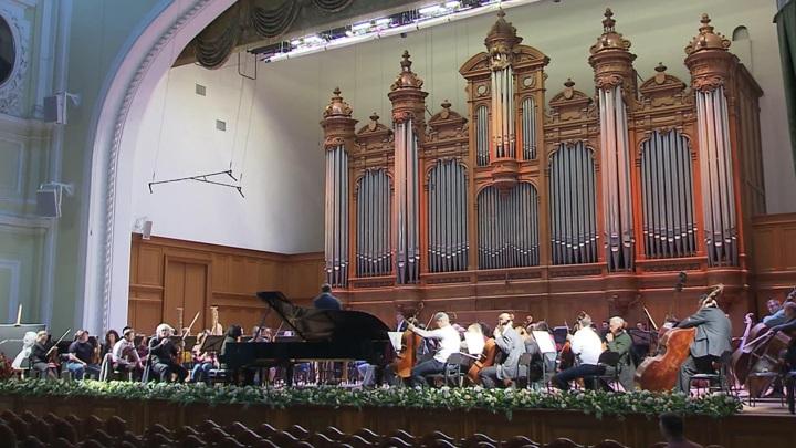 Госоркестр имени Светланова дал первый в этом сезоне московский концерт