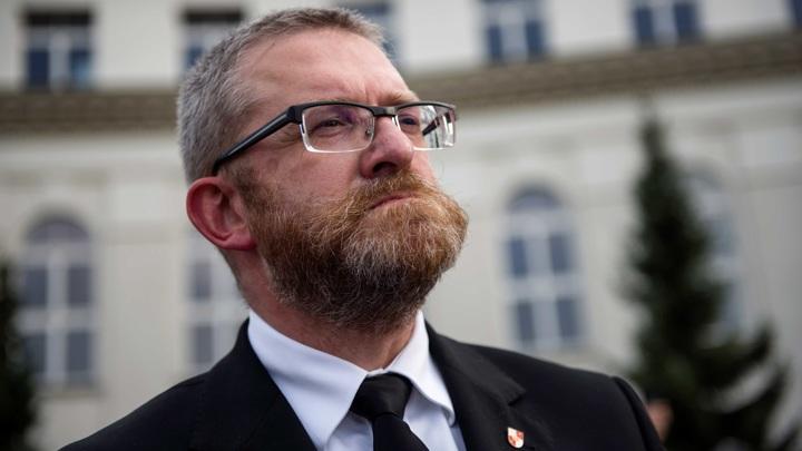 Польский депутат пригрозил виселицей министру здравоохранения