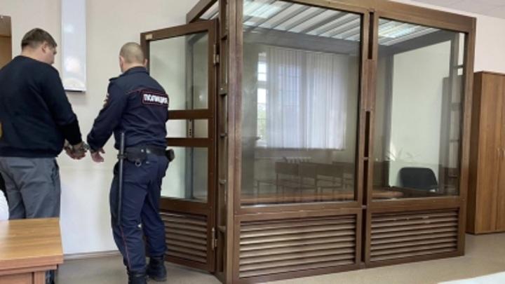 """""""В лицо кулаком"""": житель Вологды ответит за нападение на участкового"""