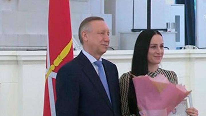 Двадцать лучших медиков получили награды из рук губернатора Санкт-Петербурга