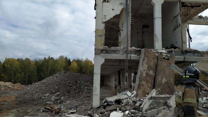 Стена насмерть придавила мужчину в Казани
