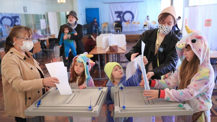 Главный день выборов: проголосовали даже космонавты на орбите
