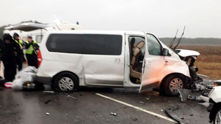 Автоавария под Тамбовом унесла жизни 2 человек, 10 пострадали