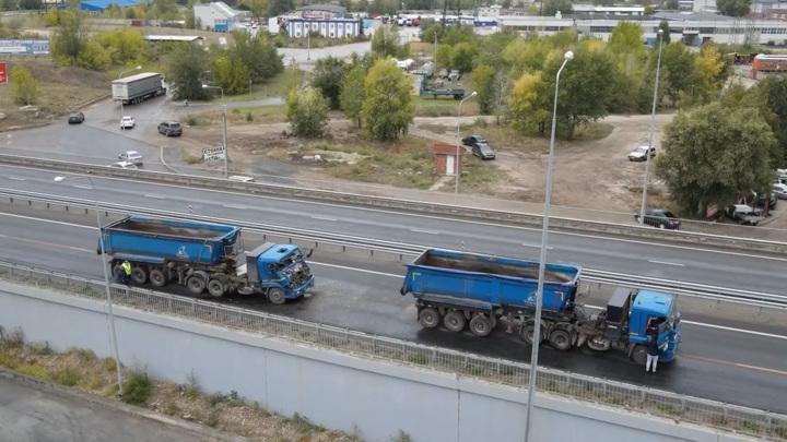 Появилось видео с места ДТП с большегрузами на самарской трассе