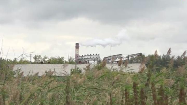 Жители Омска снова жалуются на химические выбросы