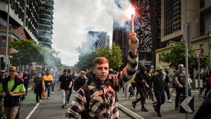 Газ, пули, дубинки: жесткие массовые задержания в Австралии