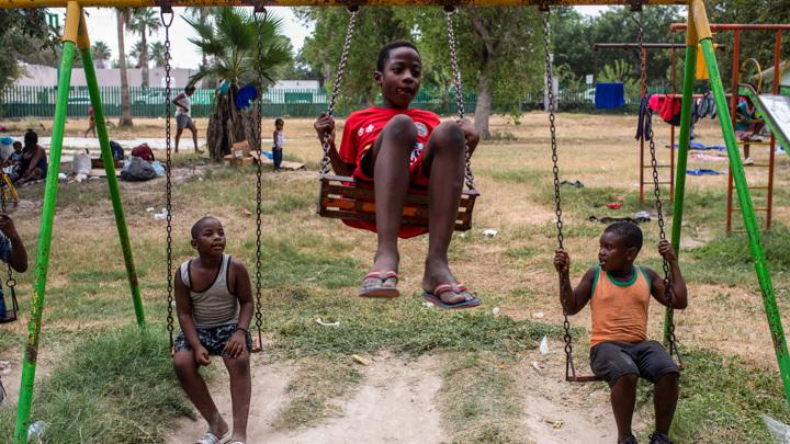 Власти США ликвидировали лагерь гаитянских беженцев