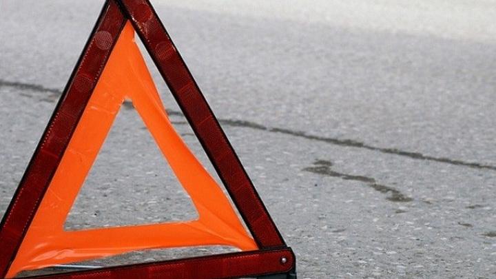В Тверской области машина сбила пьяную женщину, стоявшую посреди дороги