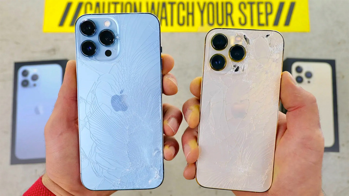 """Живучесть"" iPhone 13 проверили ударом об бетон"