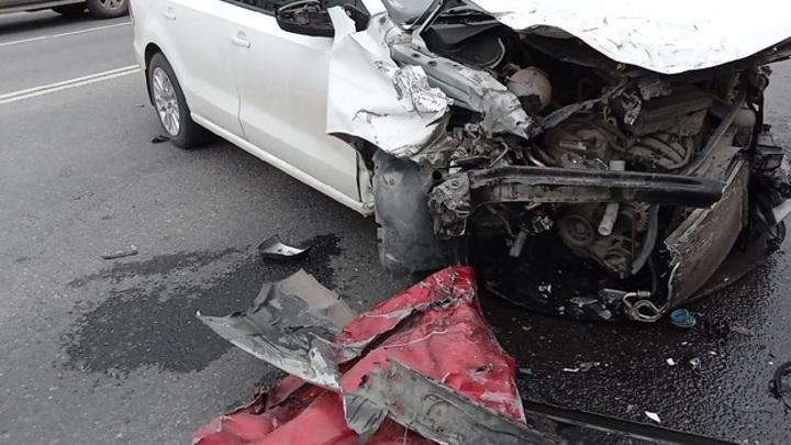 В Тольятти произошло серьезное ДТП. Есть пострадавшие