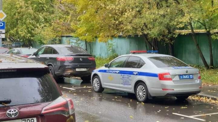 Водитель с пистолетом скрылся от инспекторов ДПС на севере Москвы