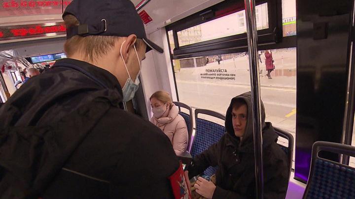 Водителям общественного транспорта Липецка разрешили высаживать пассажиров без масок