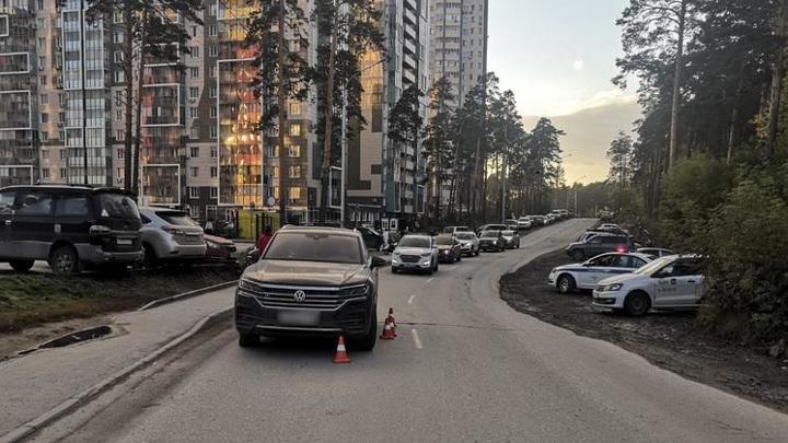 Травма головы и ушибы: автомобиль в Новосибирске сбил ребенка