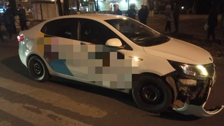 В Уфе подростки на электросамокате попали под колеса иномарки