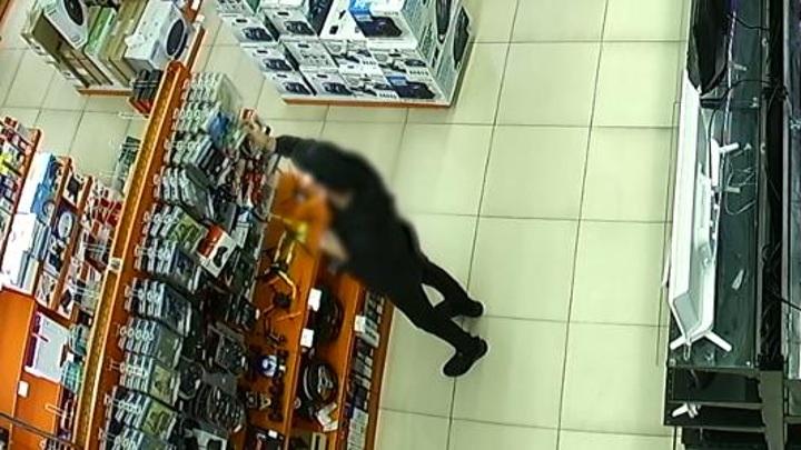 Пензенские полицейские задержали серийного похитителя цифровой техники
