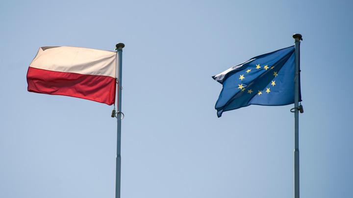 Польша будет платить миллион евро в день пока не выполнит требования ЕС
