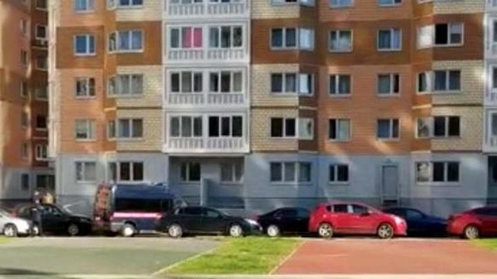 Муж выпавшей из окна с детьми женщины онемел от ужаса