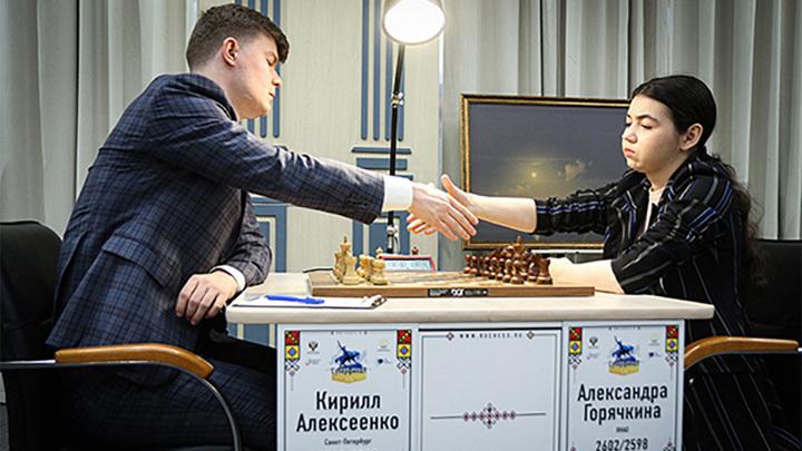 Шахматы. Алексеенко выиграл у Горячкиной и стал лидером