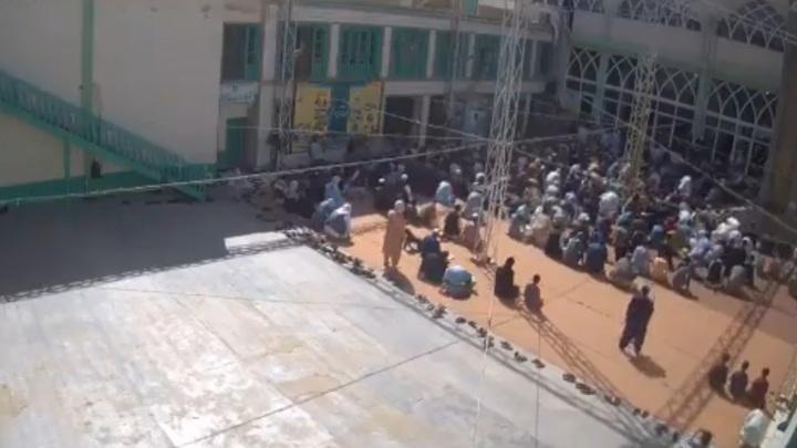 Нападение террористов на шиитскую мечеть в Кандагаре попало на видео