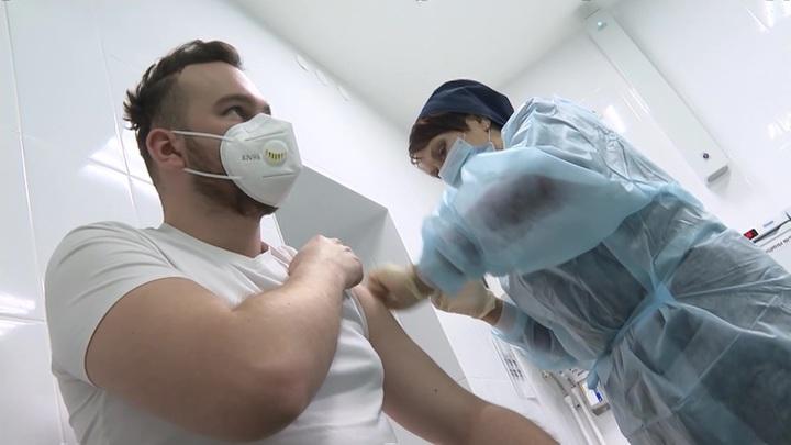 Крым вводит обязательную вакцинацию для некоторых категорий граждан