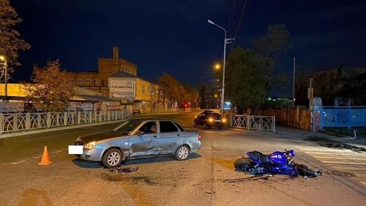 В Ставрополе водитель сбил пару на мотоцикле