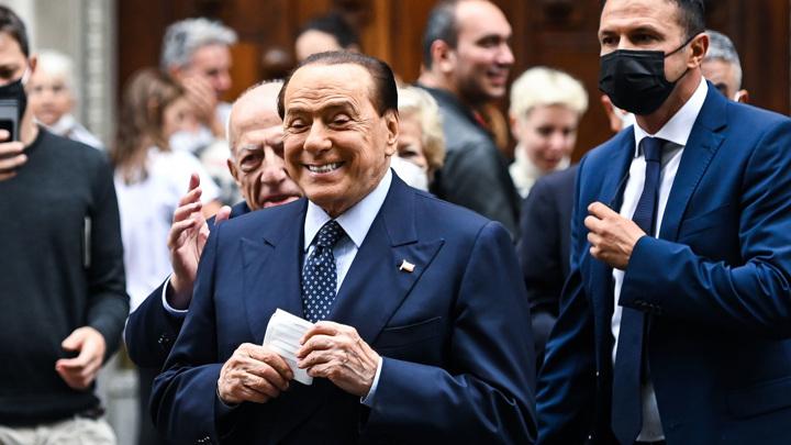 Суд Сиены оправдал Сильвио Берлускони