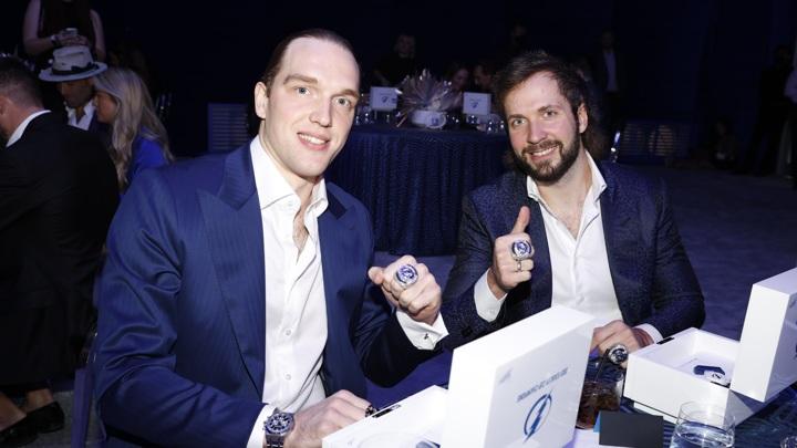 """Российские хоккеисты """"Тампы"""" получили чемпионские перстни НХЛ"""