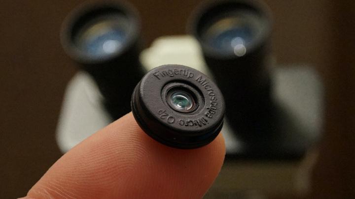 Крошечный микроскоп для смартфона оценили в 40 долларов
