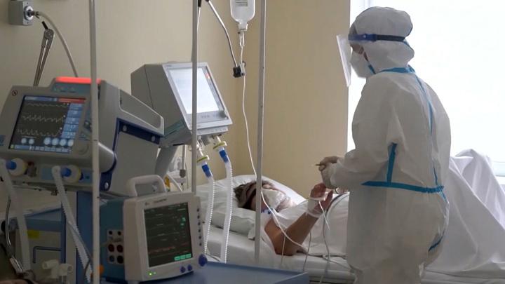 Мест не хватает: ковидные пациенты не добираются до больницы