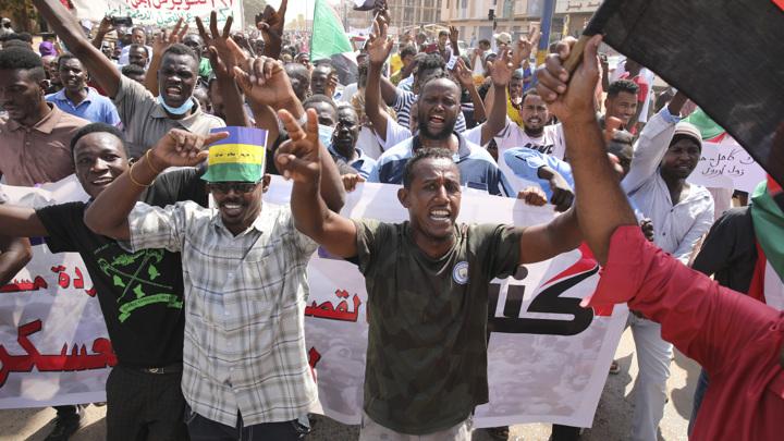 Переворот в Судане: военные арестовывают министров