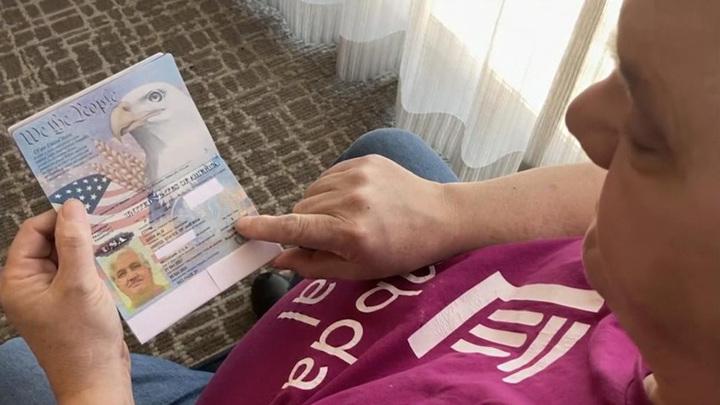 Третий пол: в США выдали первый гендерно-нейтральный паспорт