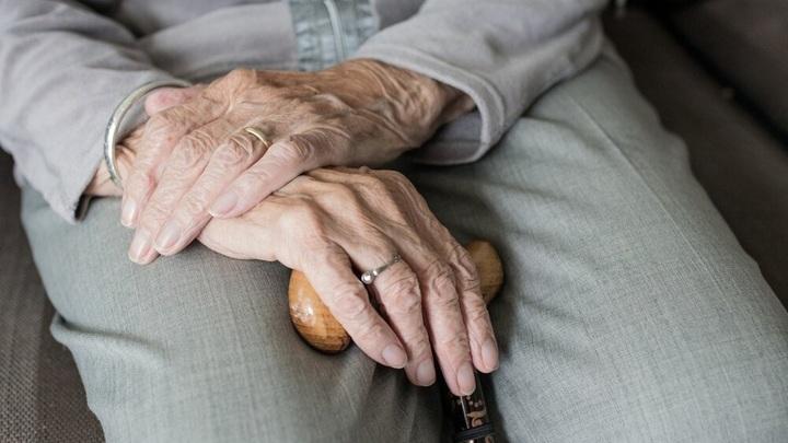 Крымчан без прививок старше 60 лет обязали соблюдать самоизоляцию