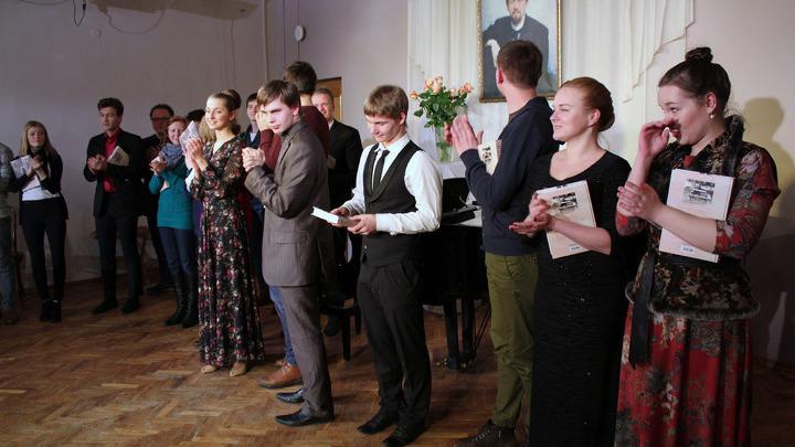 Последние наставления  и похвалы молодым чтецам, от зрителей и жюри. До, свиданья Мелихово!