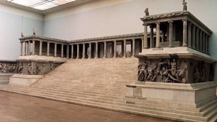 Пергамский алтарь в Берлинском музее