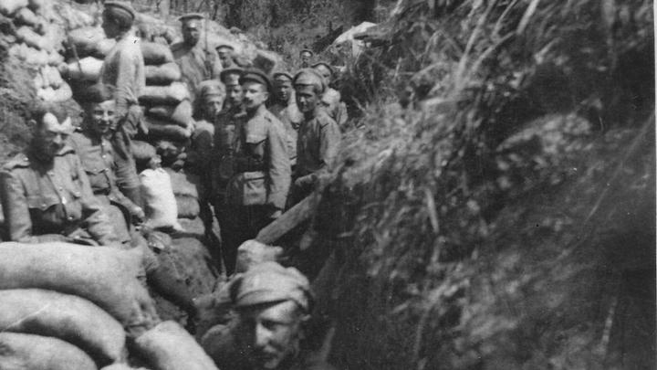 Русские и бельгийские солдаты в одном окопе и на одной стороне фронта. Фото из архивов Ивонн Франсуа, Жаклин Бурьен, Виржини Вандерстикль и Леонида Варебруса