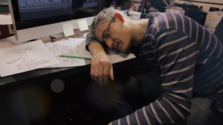 """Кадр из документального фильма """"Мир невыспавшихся людей"""""""
