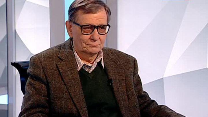 Алексей Бартошевич принимает поздравления с 75-летием